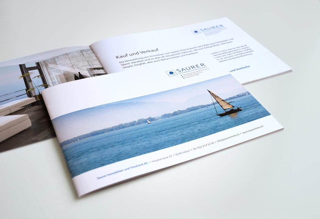Printdesign Grafikfreelancer – Gestaltung und Layout der Firmenbroschüre für Saurer Immobilien aus Islikon.