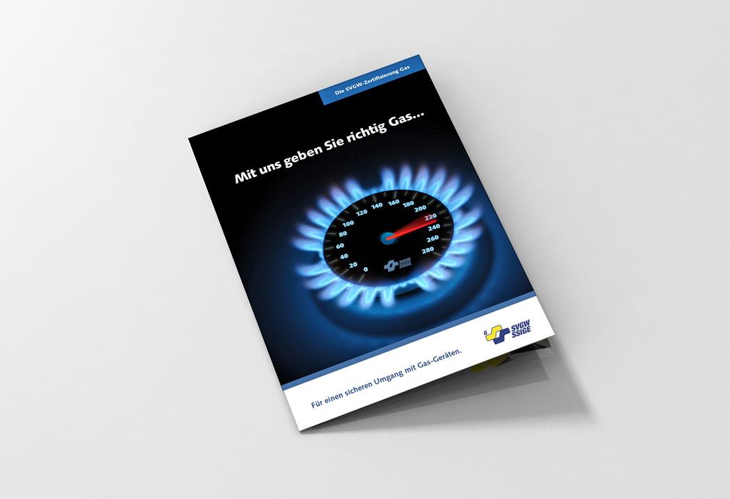 Printdesign Grafikfreelancer – Gestaltung und Konzept des Flyers «Gas Zertifizierung» für SVGW.